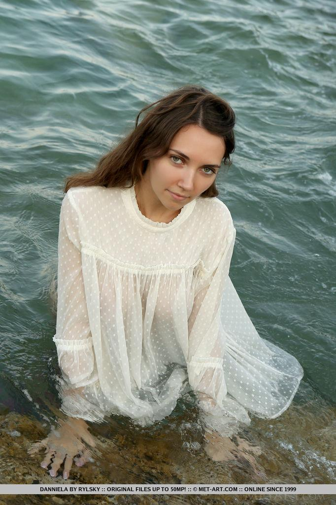 Danniela - In The Tides